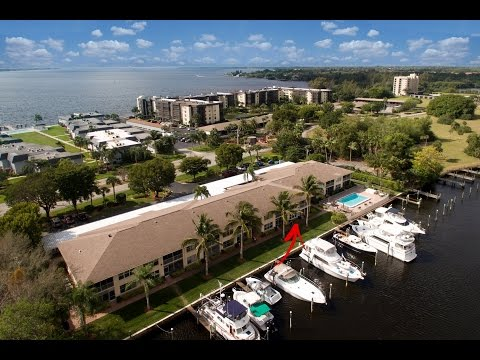 Waterfront Condo for Sale in Key Harbour - Fort Myers, Florida