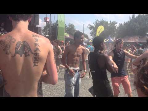 Warped Tour Mosh Pit Knock-Out!