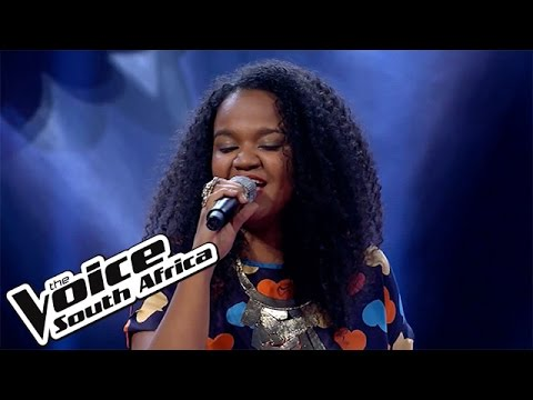 """Lana Crowster sings """"Uptown Funk"""" 