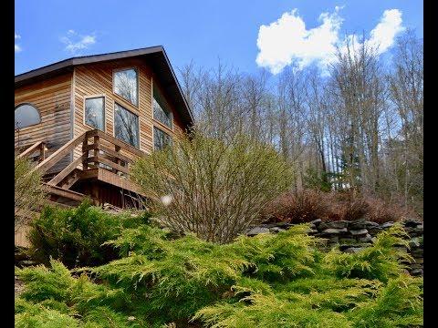 Ski House meets Pool House on the mountaintop - Catskill Dream Team