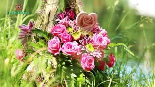 видео Доставка цветочной композиции с открыткой