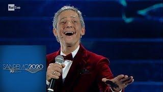 """Sanremo 2020 - """"La classica canzone di Sanremo"""" di Fiorello"""