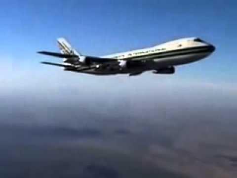 Jumbo Jet Releasing Chem Trail Agents