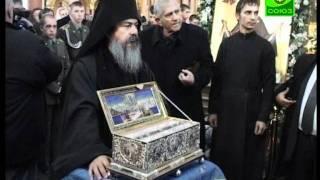 В Северной столице сотни верующих пришли проводить Пояс Пресвятой Богородицы