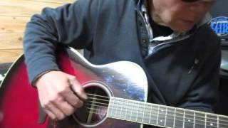 説明 (遠い世界に)5つの赤い風船 ヤマハの安いギターで 弾いてみた。...