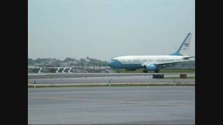 b 737 presidential plane at lga