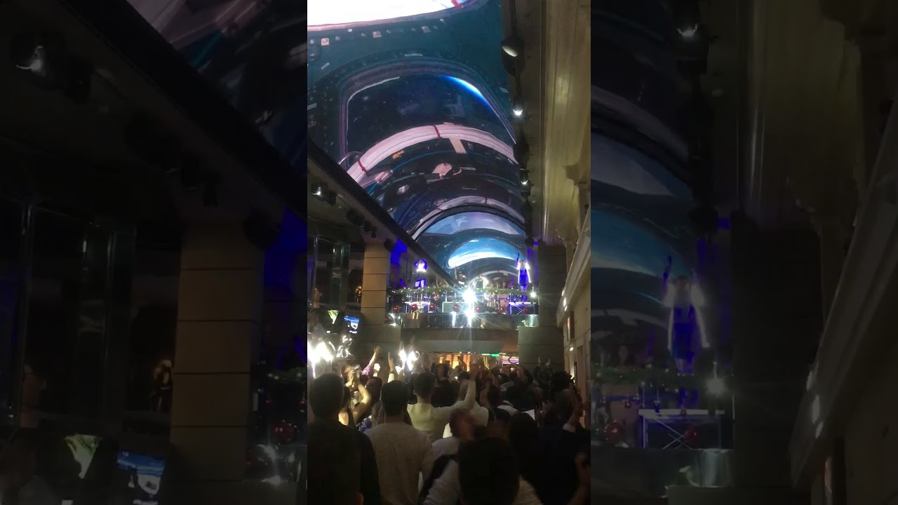MSC Grandiosa 2020 Light party - YouTube