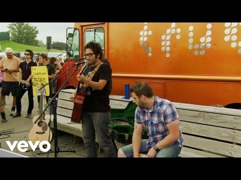 Motion City Soundtrack - A Life Less Ordinary (Need A Little Help) (Live From Warped Tour)