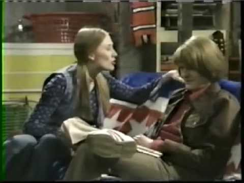 "Days Like These ""Grandma's Dead"" (British remake of That 70s Show)"