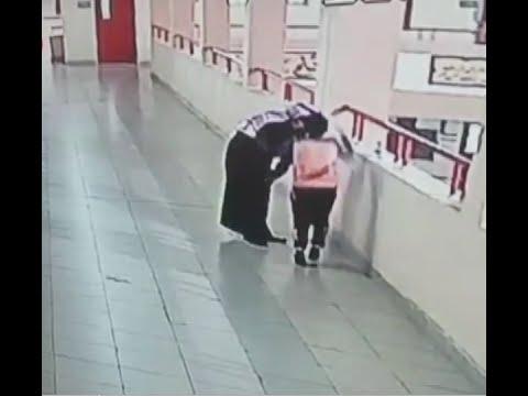 مدرس سعودي ينقذ طالبا اختنق بعملة معدنية