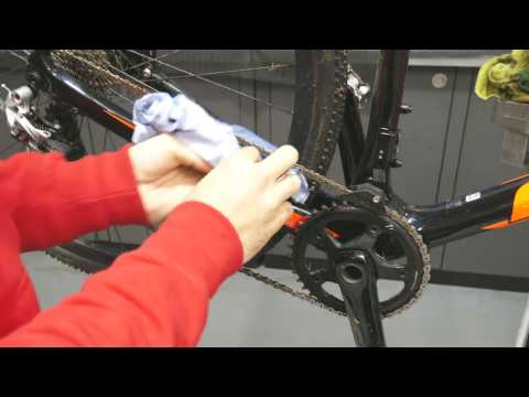 How To Clean And Lubricate Your Chain  | Tech Tip | Tredz Bikes