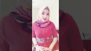 Download Video BajuNya JaDi SemPit MenaHan TumPukan Di DaDa MP3 3GP MP4