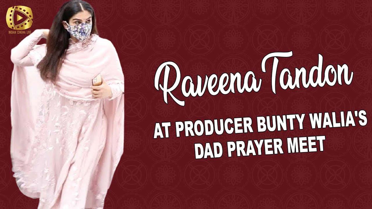 Abhishek Bachchan Raveena Tandon Karanvir Bohra At Producer Bunty Walia S Dad Prayer Meet Youtube He has produced films like lamhaa, 2 hello brother (1999 film), ek ajnabee 3 and pyaar kiya to darna kya (1998 film) 4 starring actors like arbaaz khan. youtube