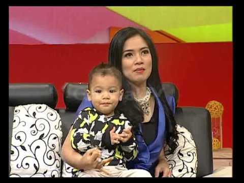 Titi Kamal Traveling Bareng Anak Tidak Pernah Bawa Baby Sitter