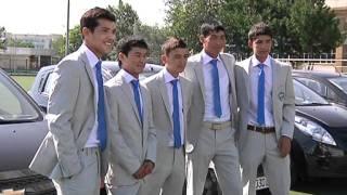 Автомобили в Узбекистане дарят даже юным футболистам