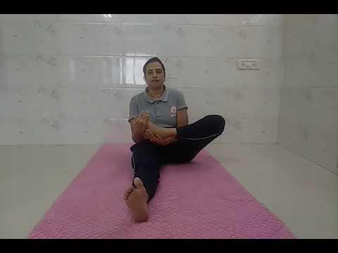 अर्ध पद्मासन (Half Lotus Pose) in हिंदी - YouTube