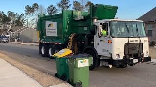 Waste Management Autocar ACX McNeilus Autoreach Garbage Truck