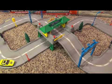 Hot Wheels World Super Highway Playtrack Review and Unboxing
