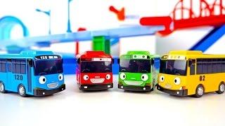 Тайо маленький автобус мультик с игрушками. Роги на гоночной трассе. Гонки на машинах.