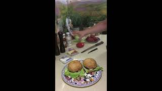 144. Бургер из Мраморной говядины (классический рецепт)