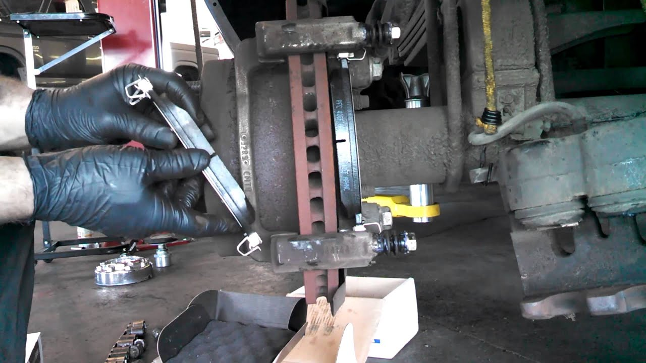 Rear brake pad replacement Ford F350 2005-2007 F250 Caliper Install Remove  Replace How to