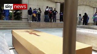Coronavirus: Bodies 'left to rot' on the streets of Ecuador