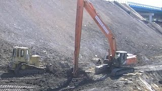 cat d4h lgp and hitachi 330lc 5g long reach