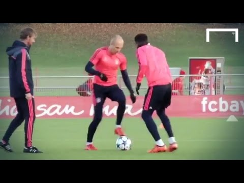 Alonso & Robben show some skill in training