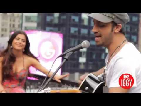 Atif Aslam - Meri Kahani ( Jhula Jhulaye) Live & Acoustic at Mtv IGGY