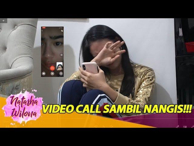 Video Call sambil NANGIS