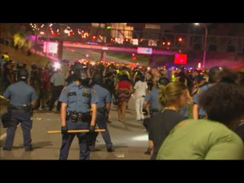 Riot breaks out at Black Lives Matter protest on I-94
