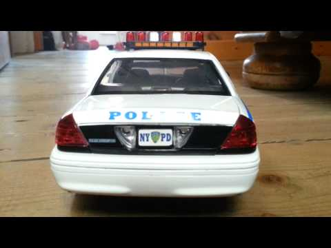 Ford Crown Victoria Nypd 1/18