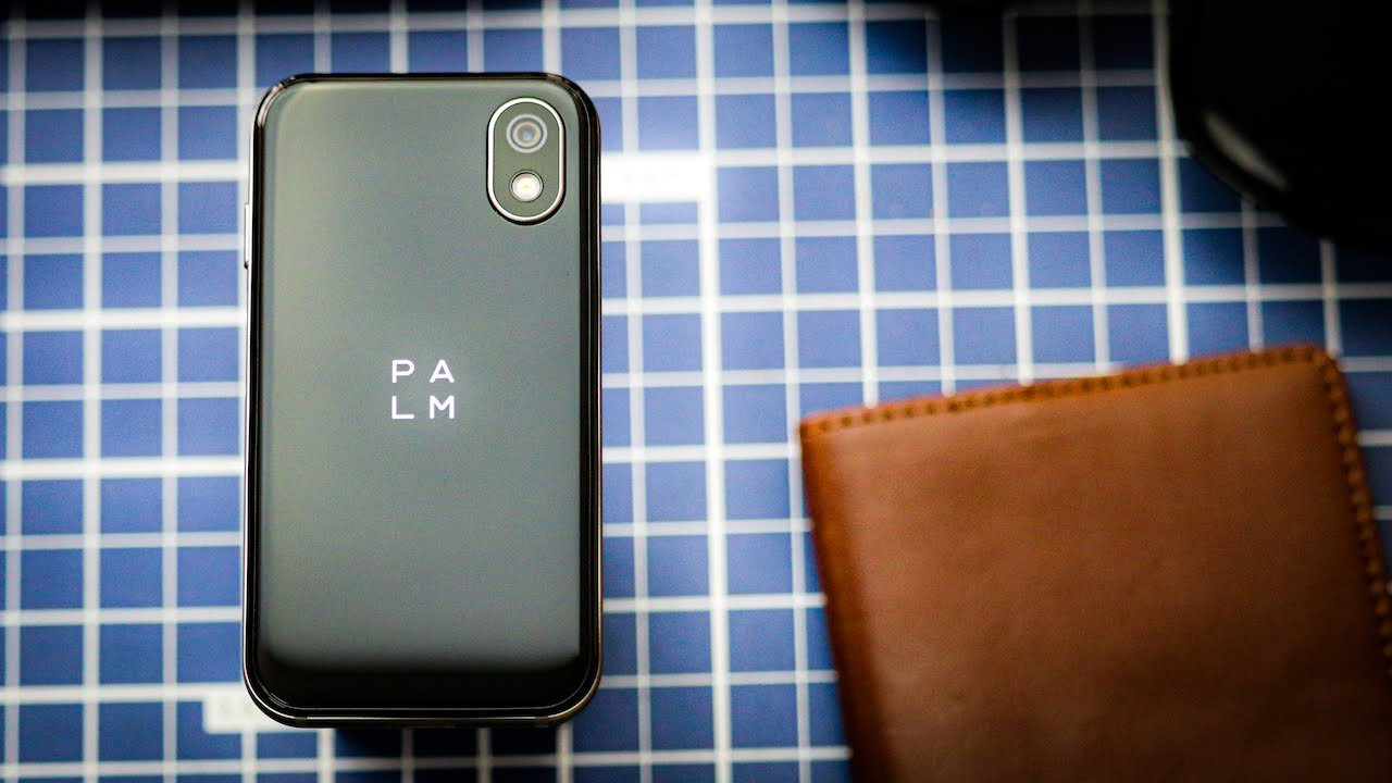 Palm Phone Review | The Perfect Mini Smartphone?