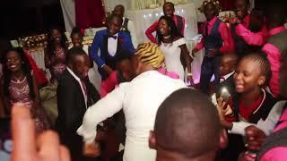 KINGS MALEMBE Mumbi-NIWE LESA(LiVe HD)Makes the BrideGroom DANCE To Alikula(Zed 2019)