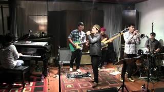 Tompi - Cinta yang Kucari ~ Salakah @ Mostly Jazz 17/02/12 [HD]