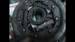 Шум сцепления при нажатии на педаль ВАЗ классика.