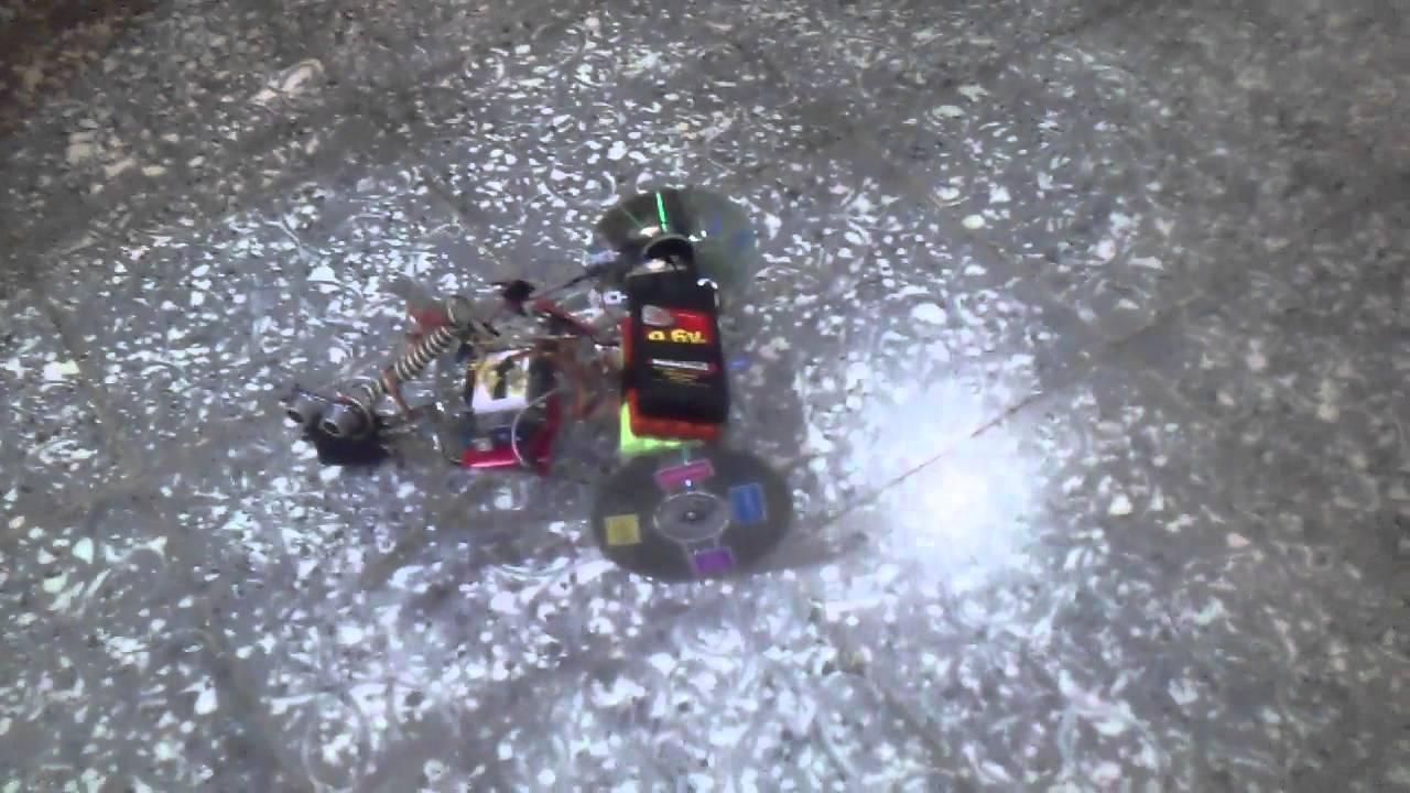 Robot evita obstáculos youtube