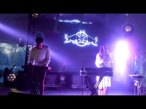 HTRK - Give It Up - (Festival Nrmal 01-03-15)