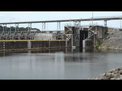 Watts Bar Dam and Lock 2014 Summer 03