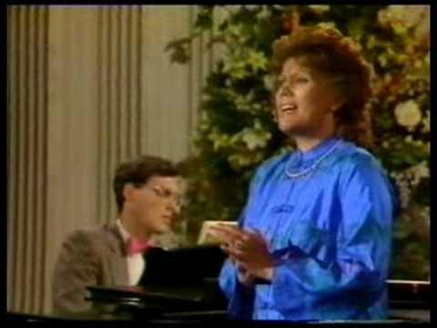 Dame Kiri Te Kanawa sings