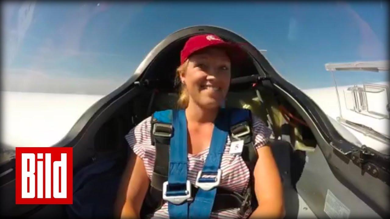 Download Segelfliegen - BILD Reporterin Clara hoch über den Wolken