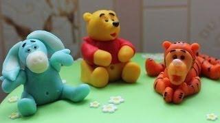 Как приготовить мастику для торта? GuberniaTV(Домашний торт, приготовленный мамой, будет конечно вкуснее. Но как тогда украшение смастерить? Такой способ..., 2013-07-08T01:39:52.000Z)