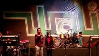 Wali - Nenekku Pahlawanku Nur Amira Syahira Feat Wali Band LIVE in JOHOR