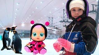 Алина играет в детектива ищет новые Игрушки Pretend play with toys