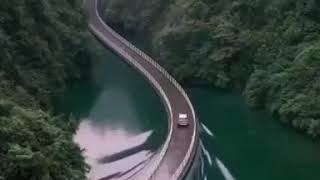 شاهد أغرب كبارى السيارات على وجه الماء فى الصين