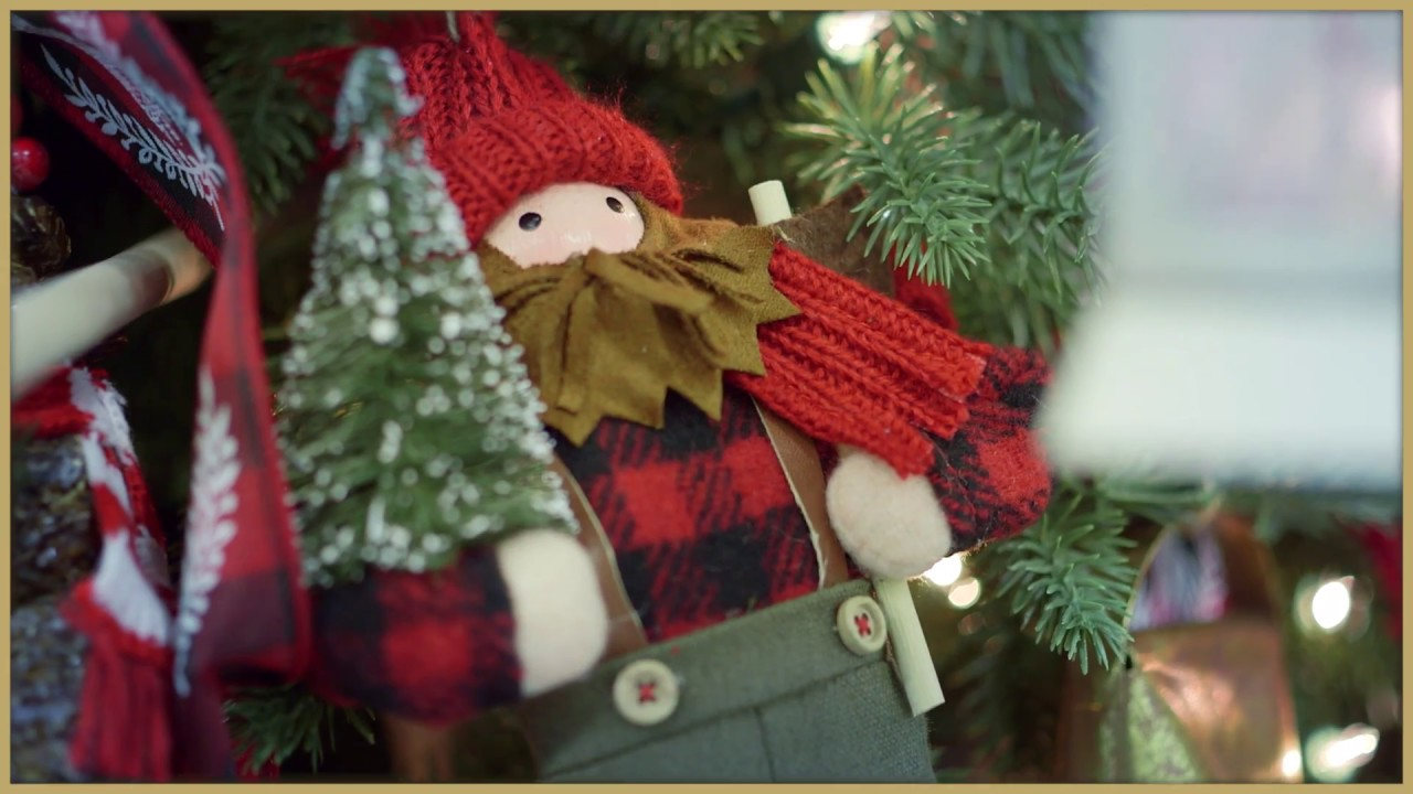Lowes Christmas Decorations.Get Fun And Festive This Christmas With Lowe S Holiday Decorations