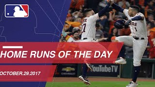 WS2017 Gm5: Yuli Gurriel ties Game 5 with a three-run homer in the 2017 World Series