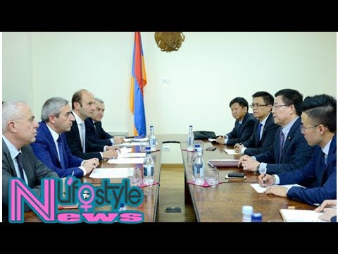 Armenian minister discusses process of north-south road construction project with chinese company