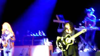 """Heart - """"These Dreams"""" - live at the Greek Theater, 10/23/09"""