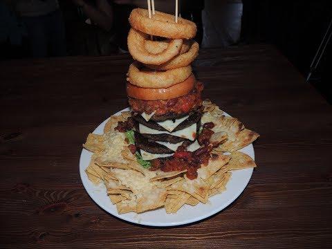 DELICIOUS Burger & Nachos Challenge in Glasgow!!